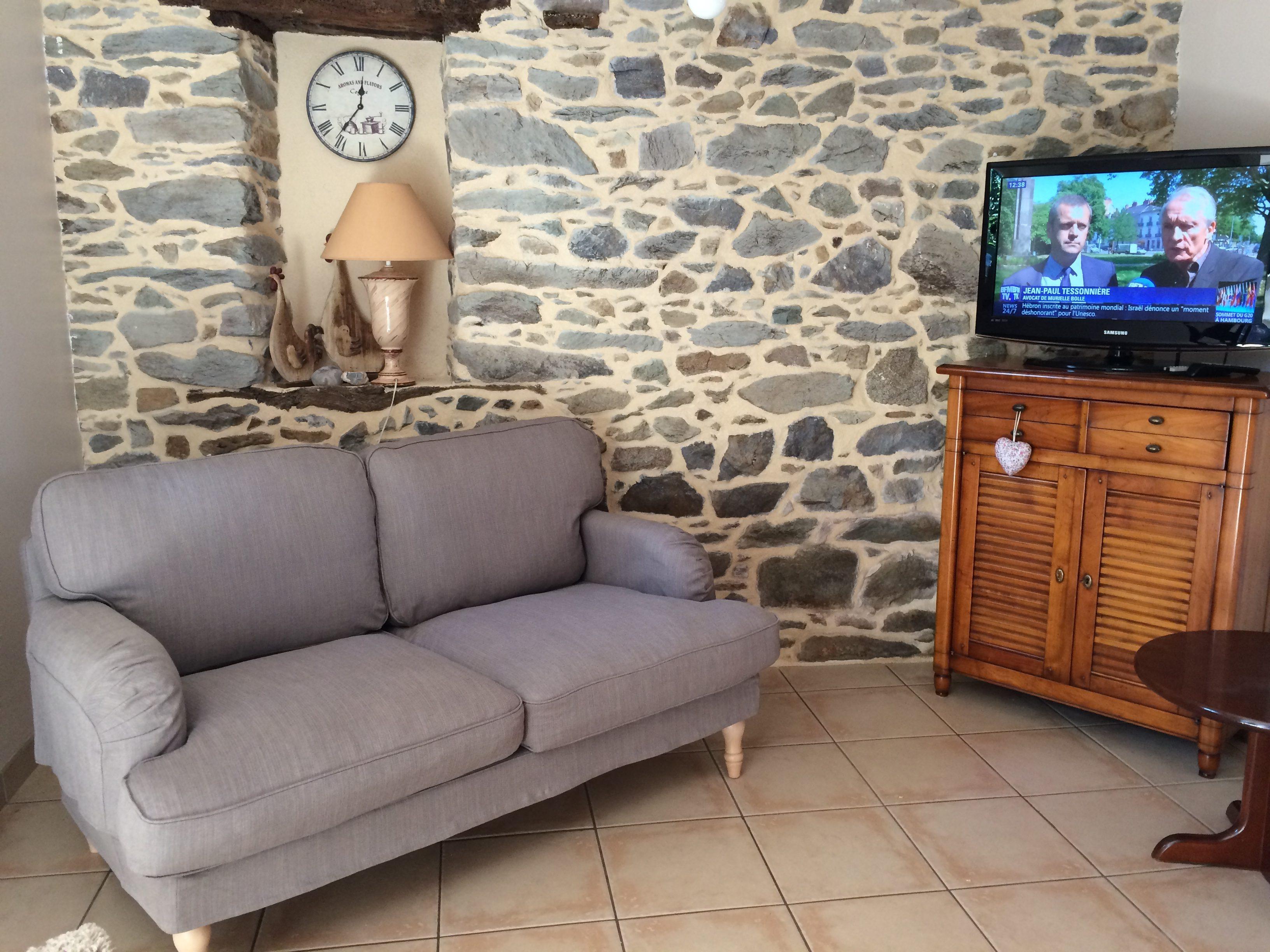 le salon du gite de Losten ar Goguès a Trédarzec en bordure du Jaudy